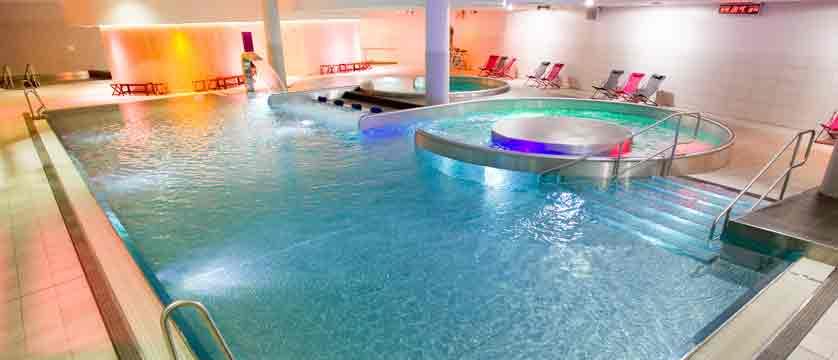 france_montgenevre_swimming-pool2.jpg